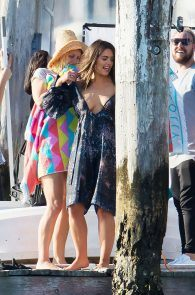olympia-valance-topless-candids-in-sydney-15
