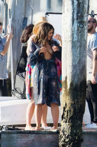 olympia-valance-topless-candids-in-sydney-18