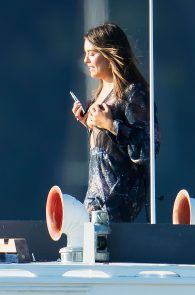olympia-valance-topless-candids-in-sydney-19