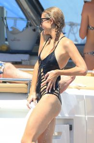 paris-hilton-ass-in-swimsuit-in-ibiza-15