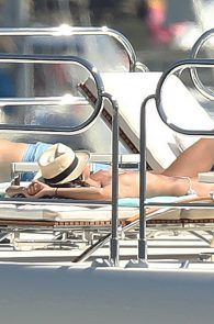 sara-sampaio-topless-sunbathing-on-a-yacht-in-st-tropez-17