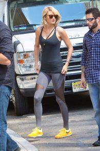 taylor-swift-cameltoe-leaving-gym-in-nyc-02