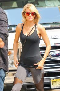 taylor-swift-cameltoe-leaving-gym-in-nyc-05
