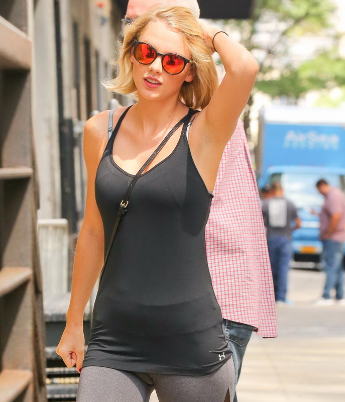 taylor-swift-cameltoe-leaving-gym-in-nyc-07