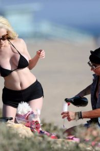 courtney-stodden-areola-slip-on-the-beach-in-los-angeles-04