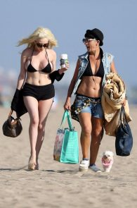 courtney-stodden-areola-slip-on-the-beach-in-los-angeles-09