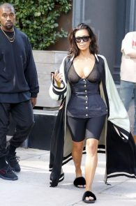kim-kardashian-see-through-bra-in-new-york-04
