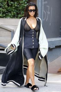 kim-kardashian-see-through-bra-in-new-york-05