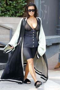 kim-kardashian-see-through-bra-in-new-york-07
