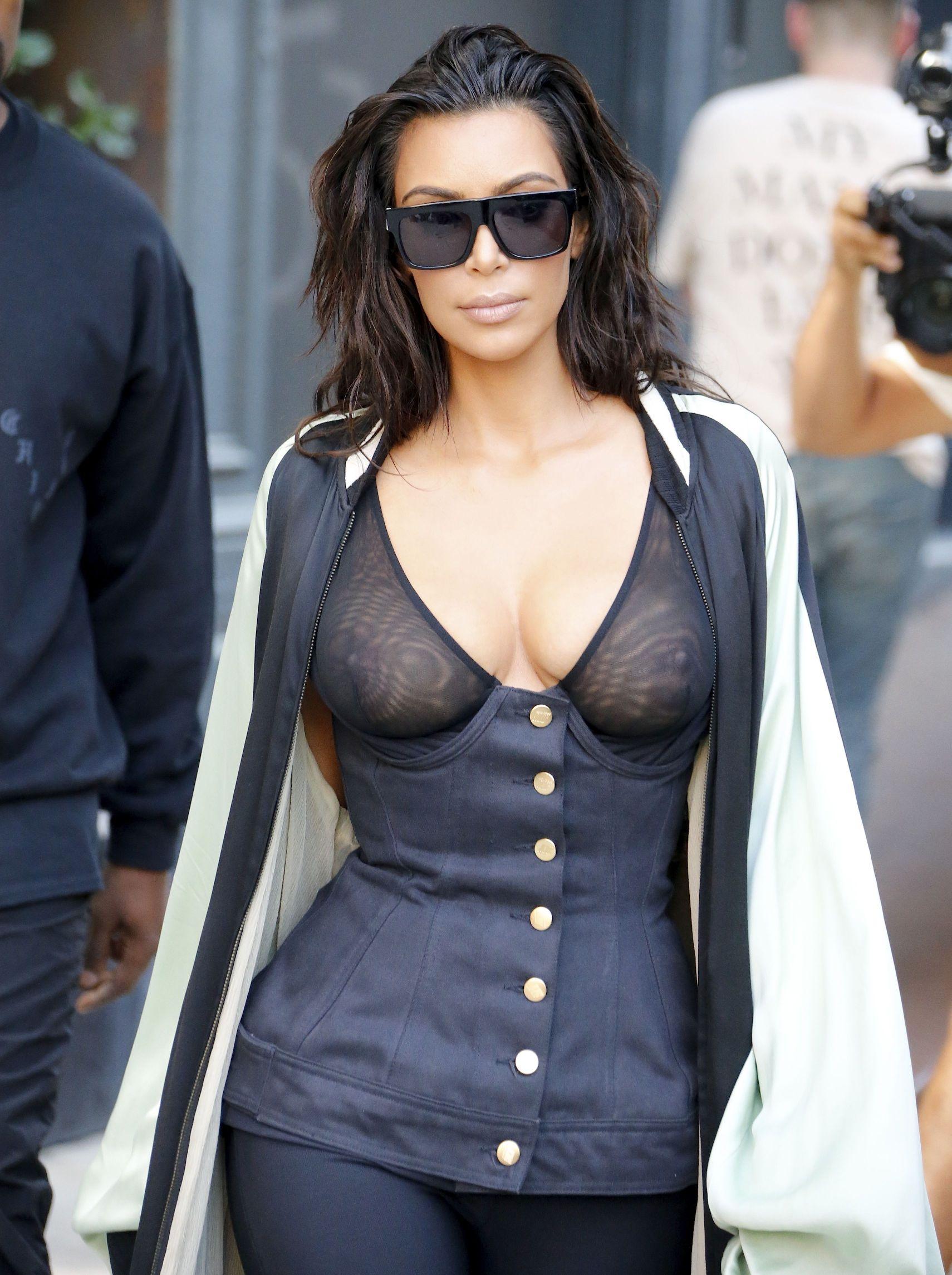 Kardashian bra kim