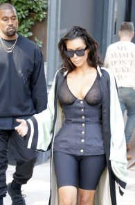 kim-kardashian-see-through-bra-in-new-york-15