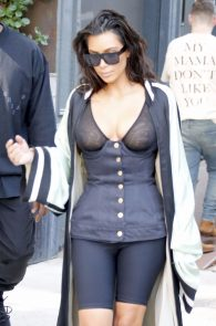 kim-kardashian-see-through-bra-in-new-york-16