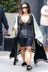 kim-kardashian-see-through-bra-in-new-york-19