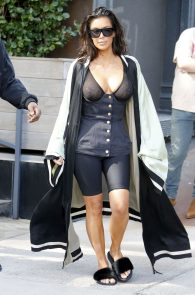 kim-kardashian-see-through-bra-in-new-york-20