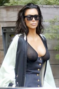 kim-kardashian-see-through-bra-in-new-york-22