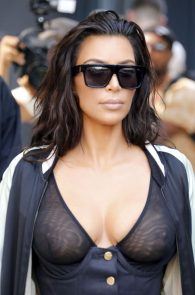 kim-kardashian-see-through-bra-in-new-york-25