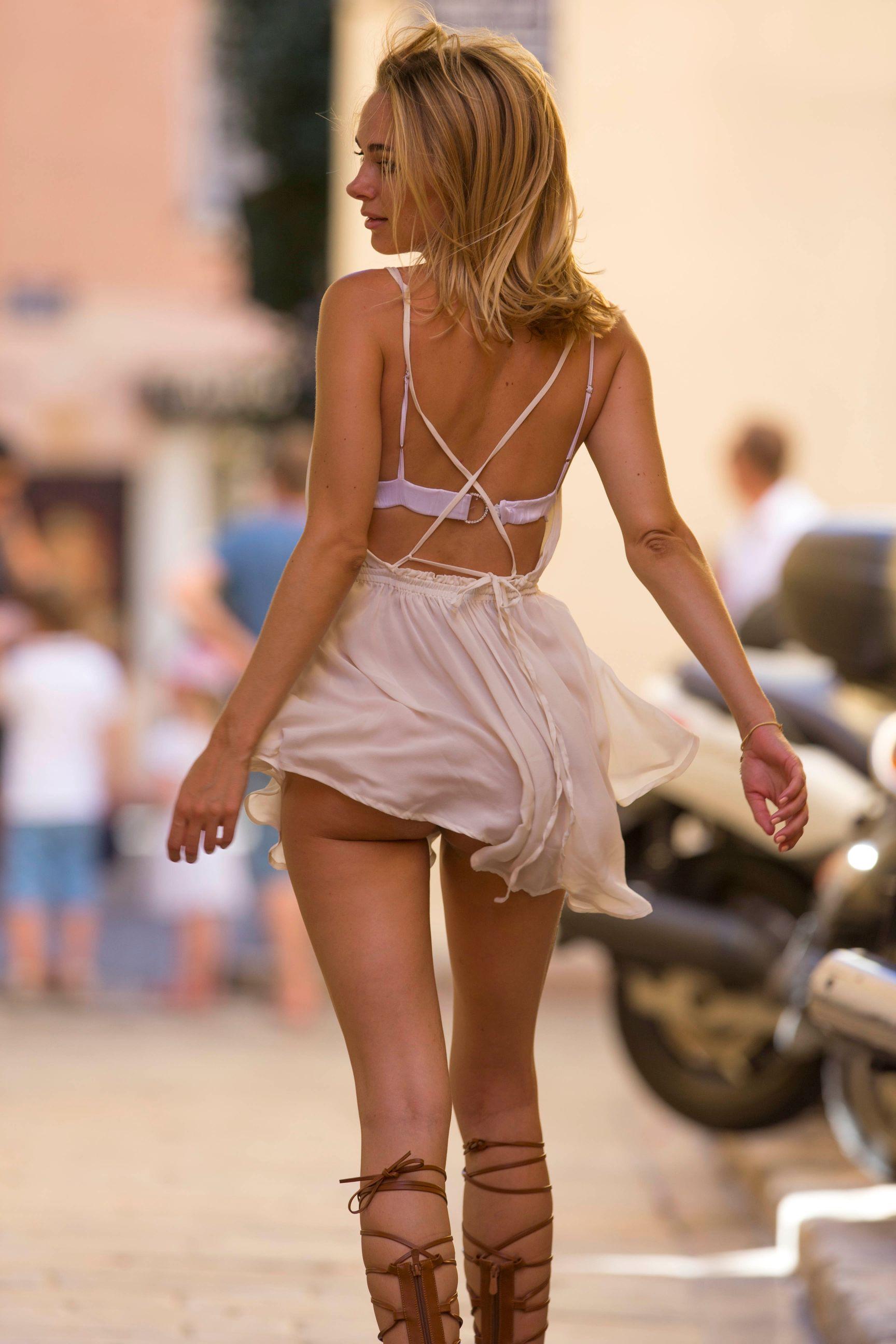kimberley-garner-upskirt-while-out-shopping-6 | celebrity