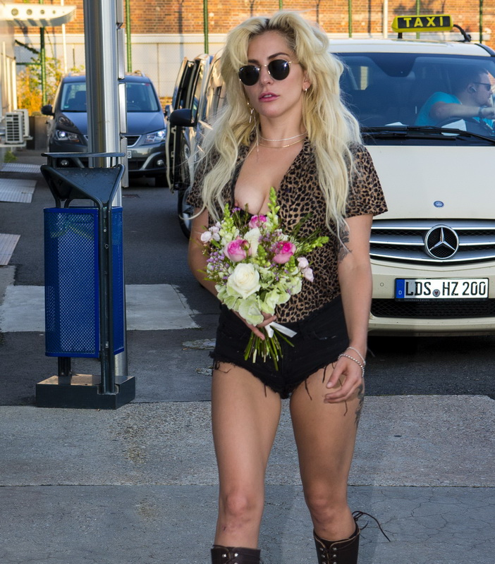 lady-gaga-nipple-slip-in-berlin-08