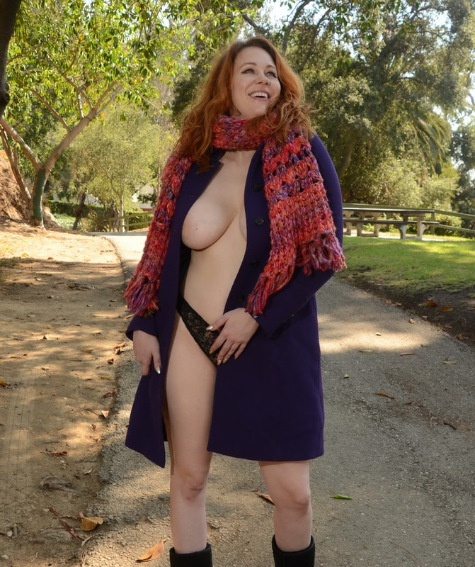 maitland-ward-nipple-slip-at-a-photoshoot-in-los-angeles-20