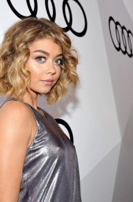 sarah-hyland-pokies-at-audi-pre-emmy-party-01