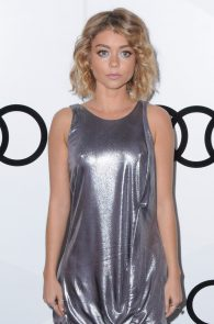 sarah-hyland-pokies-at-audi-pre-emmy-party-11