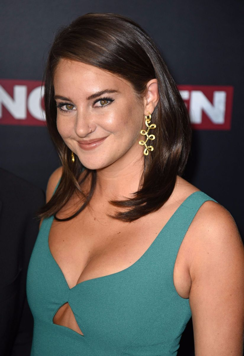 shailene-woodley-cleavage-at-snowden-premiere-in-nyc-02