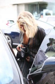 sofia-richie-downblouse-nipple-slip-in-los-angeles-06