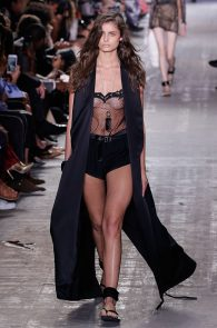 taylor-marie-hill-see-through-to-boobs-at-the-new-york-fashion-week-08