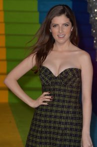 anna-kendrick-cleavage-at-trolls-premiere-in-london-07