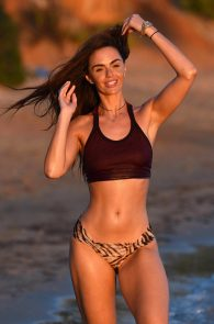 jennifer-metcalfe-see-thru-bikini-top-in-ibiza-02