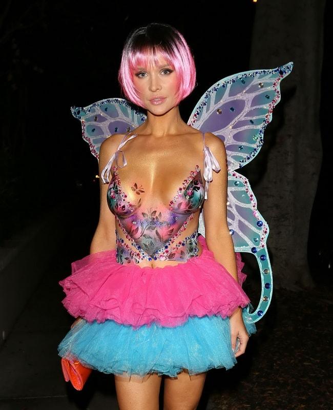 joanna-krupa-topless-body-paint-costume-halloween-costume-01
