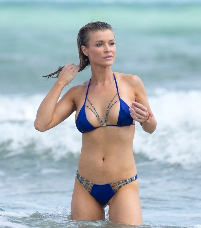 joanna-krupa-wearing-a-blue-thong-bikini-in-miami-316