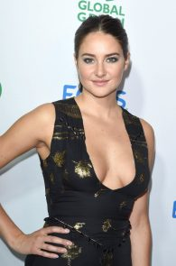 shailene-woodley-deep-cleavage-at-global-green-20th-anniversary-awards-02