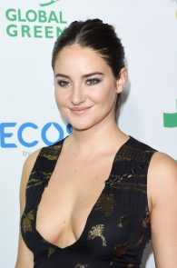 shailene-woodley-deep-cleavage-at-global-green-20th-anniversary-awards-04