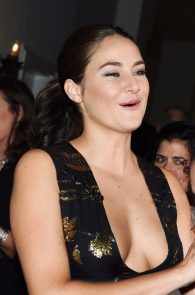 shailene-woodley-deep-cleavage-at-global-green-20th-anniversary-awards-05