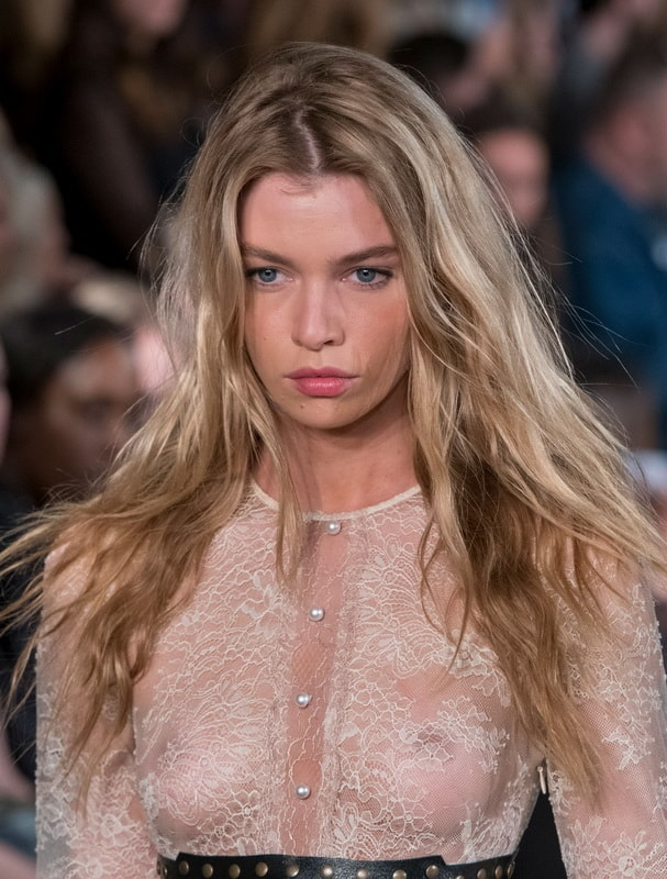 stella-maxwell-see-through-at-the-fashion-show-in-milan-01