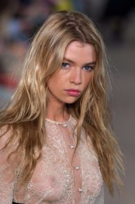 stella-maxwell-see-through-at-the-fashion-show-in-milan-04