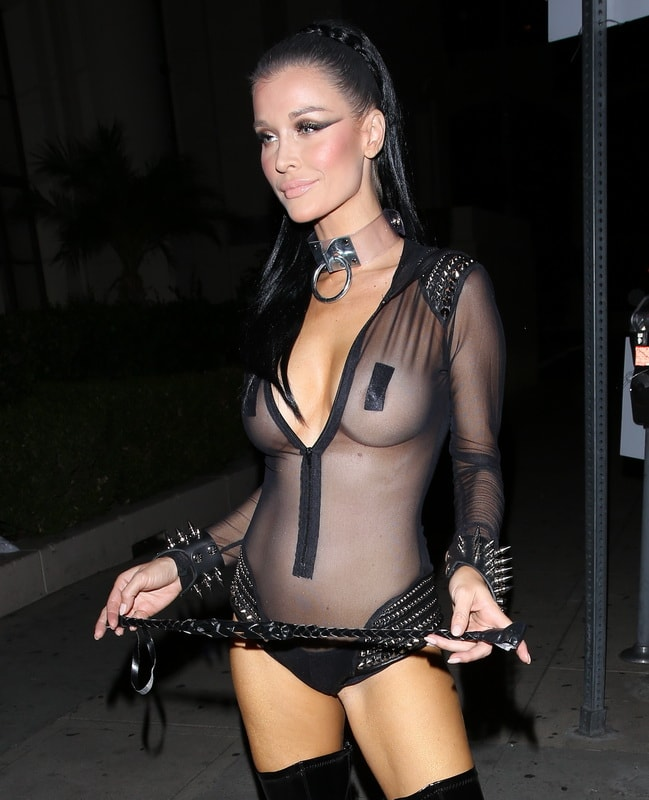joanna-krupa-see-through-at-trick-or-treats-halloween-party-01