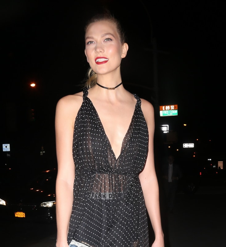 karlie-kloss-see-through-to-nipple-at-guggenheim-gala-dinner-01