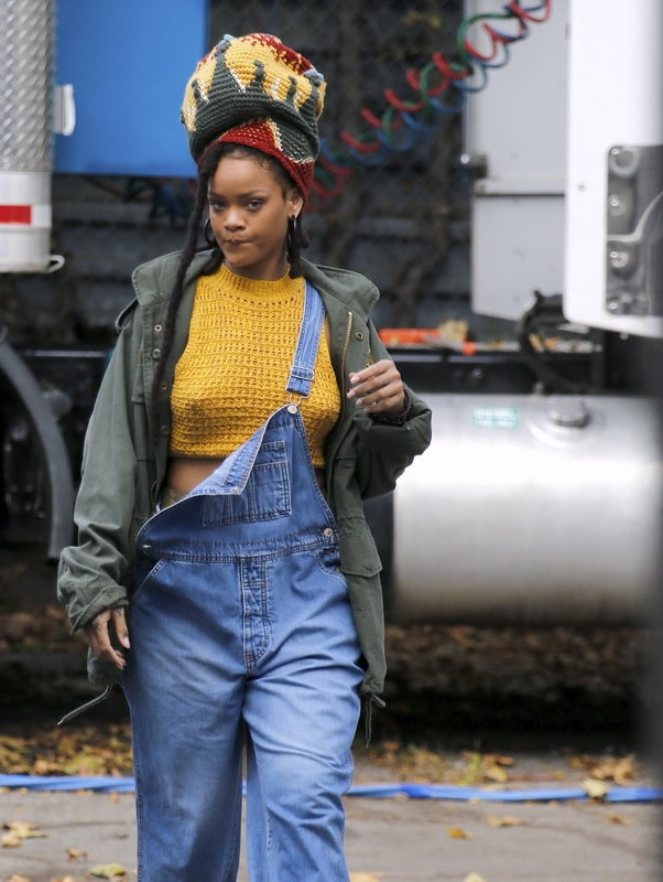 rihanna-hard-nipples-on-the-set-of-ocean-s-eight-in-ny-01