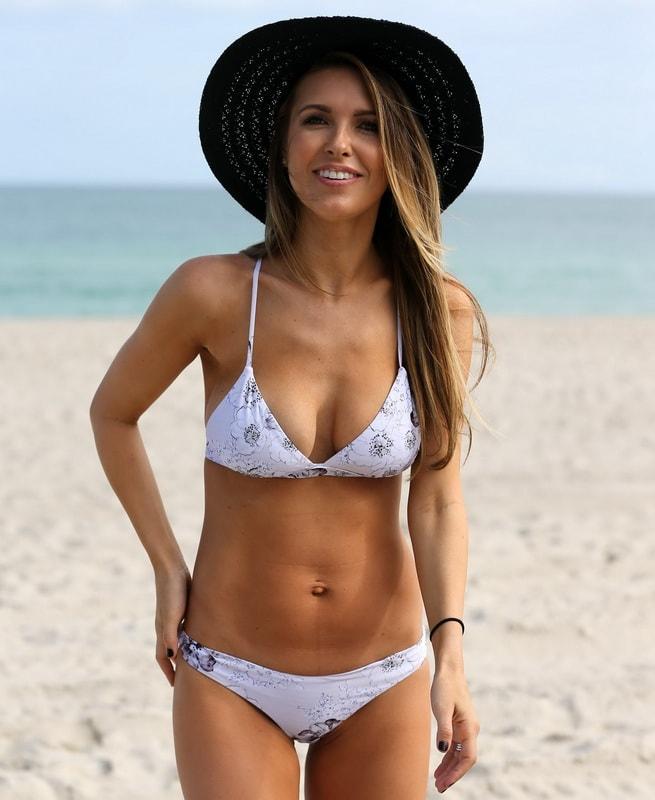 audrina-patridge-wearing-a-bikini-in-miami-01