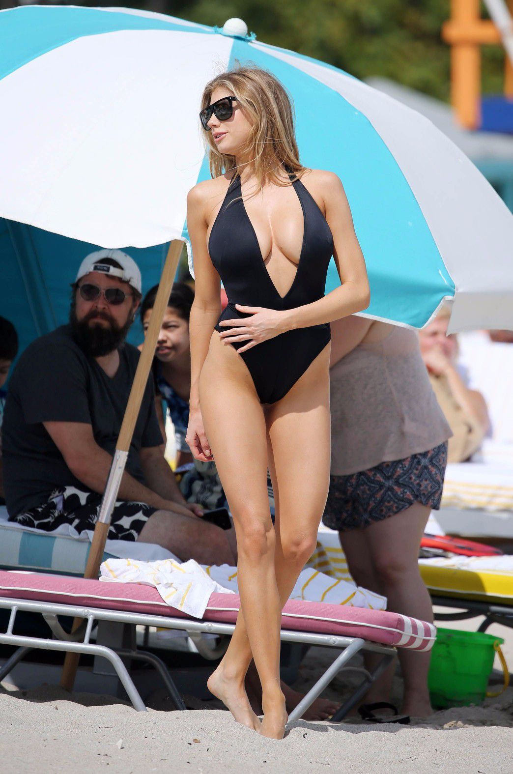 charlotte-mckinney-nipple-slip-at-the-beach-in-miami-07