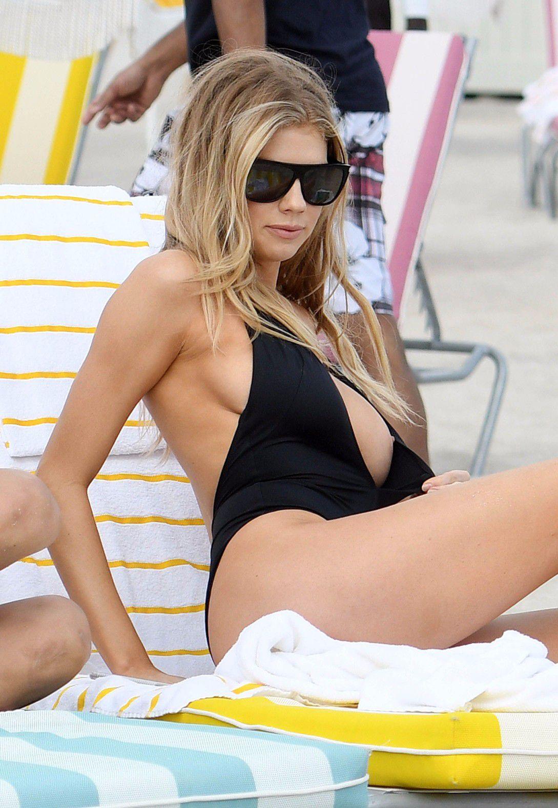charlotte-mckinney-nipple-slip-at-the-beach-in-miami-22