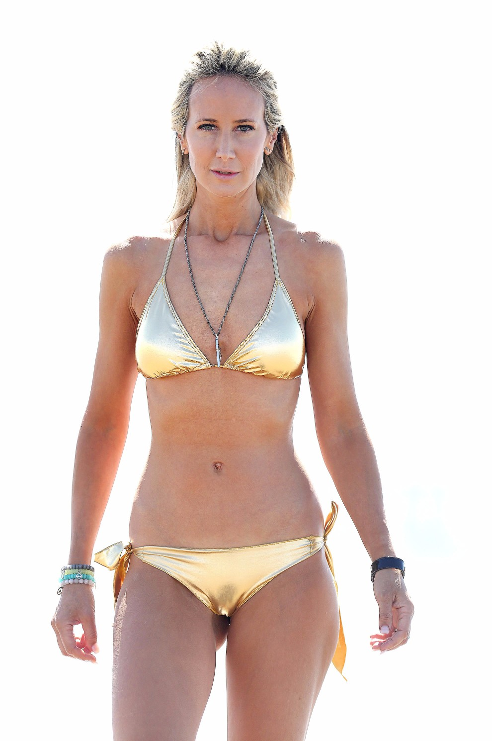 victoria-hervey-wearing-a-gold-bikini-in-los-angeles-16