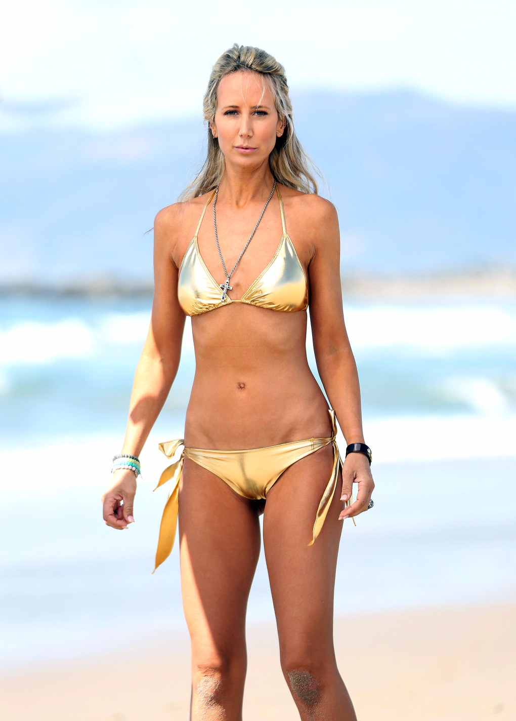 victoria-hervey-wearing-a-gold-bikini-in-los-angeles-17