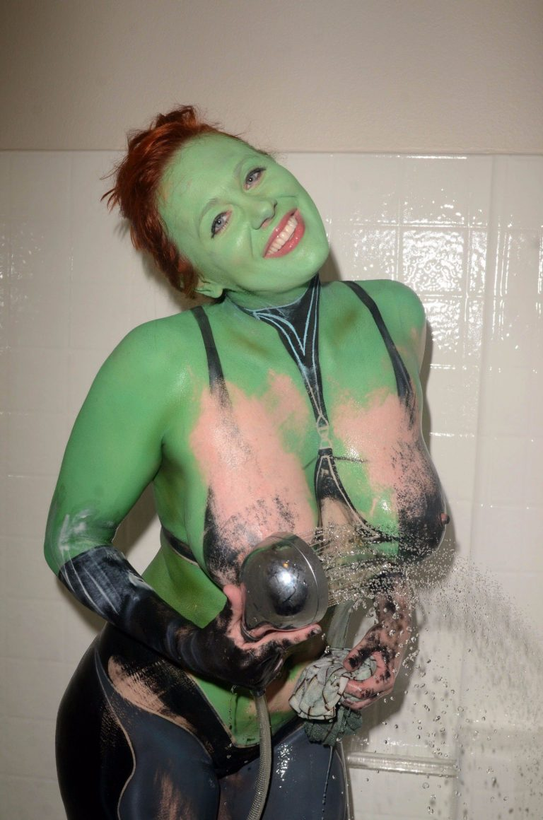 Maitland-Ward-Fully-Nude-Pussy-In-Cosplay-For-Comic-Con-In -6471