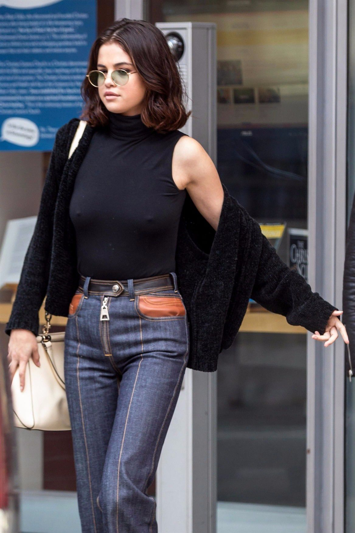 selena-gomez-braless-pokies-hard-nipples-in-new-york-1873