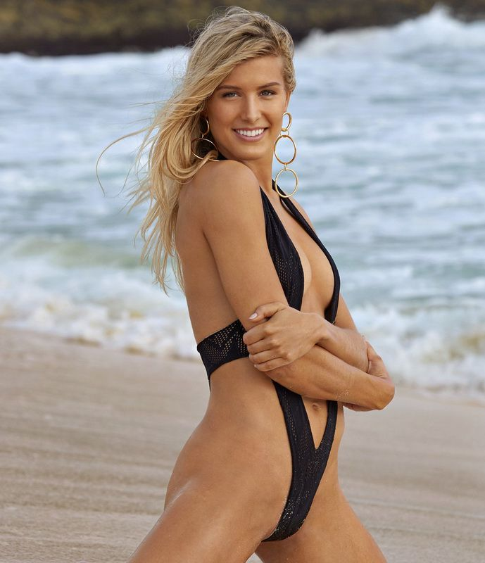 eugenie-bouchard-super-sexy-in-sports-illustrated-swimsuit-issue-2018-01