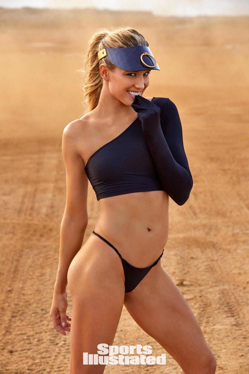 eugenie-bouchard-super-sexy-in-sports-illustrated-swimsuit-issue-2018-9