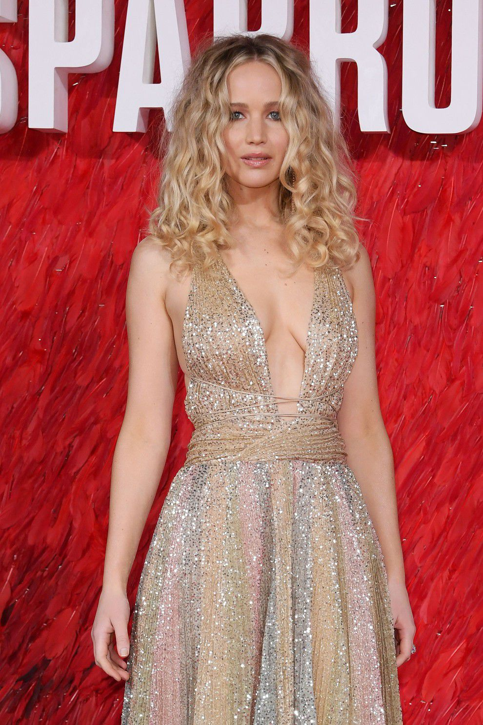jennifer-lawrence-cleavage-at-red-sparrow-premiere-in-london-7179